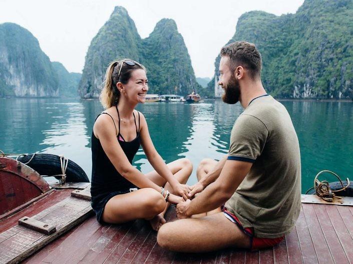 Love Story в бухте Халонг Бей (Вьетнам)
